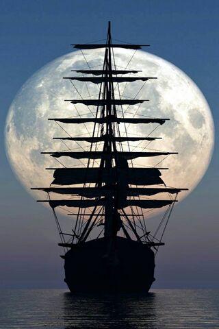 Tàu và mặt trăng