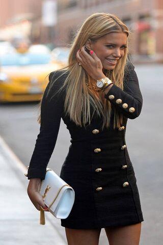 امراة جميلة الخلفية تحميل إلى هاتفك النقال من Phoneky
