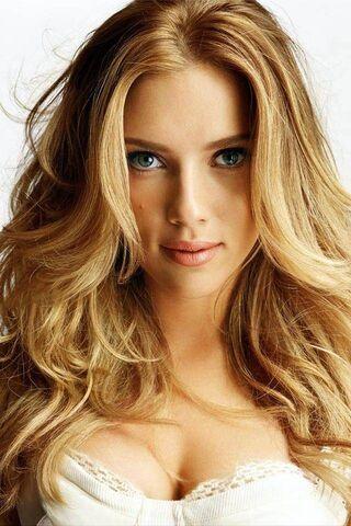 Belle fille blonde